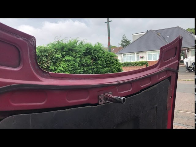 How to Open & Shut a Triumph Stag Bonnet (Hood)